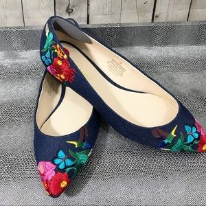 Nine West embroidered denim pointed flats size 6M